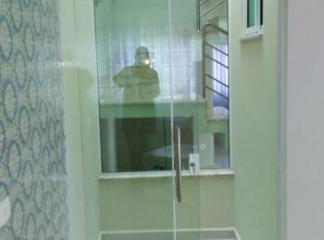 Porta-de-vidro-temperado-em-Curitiba